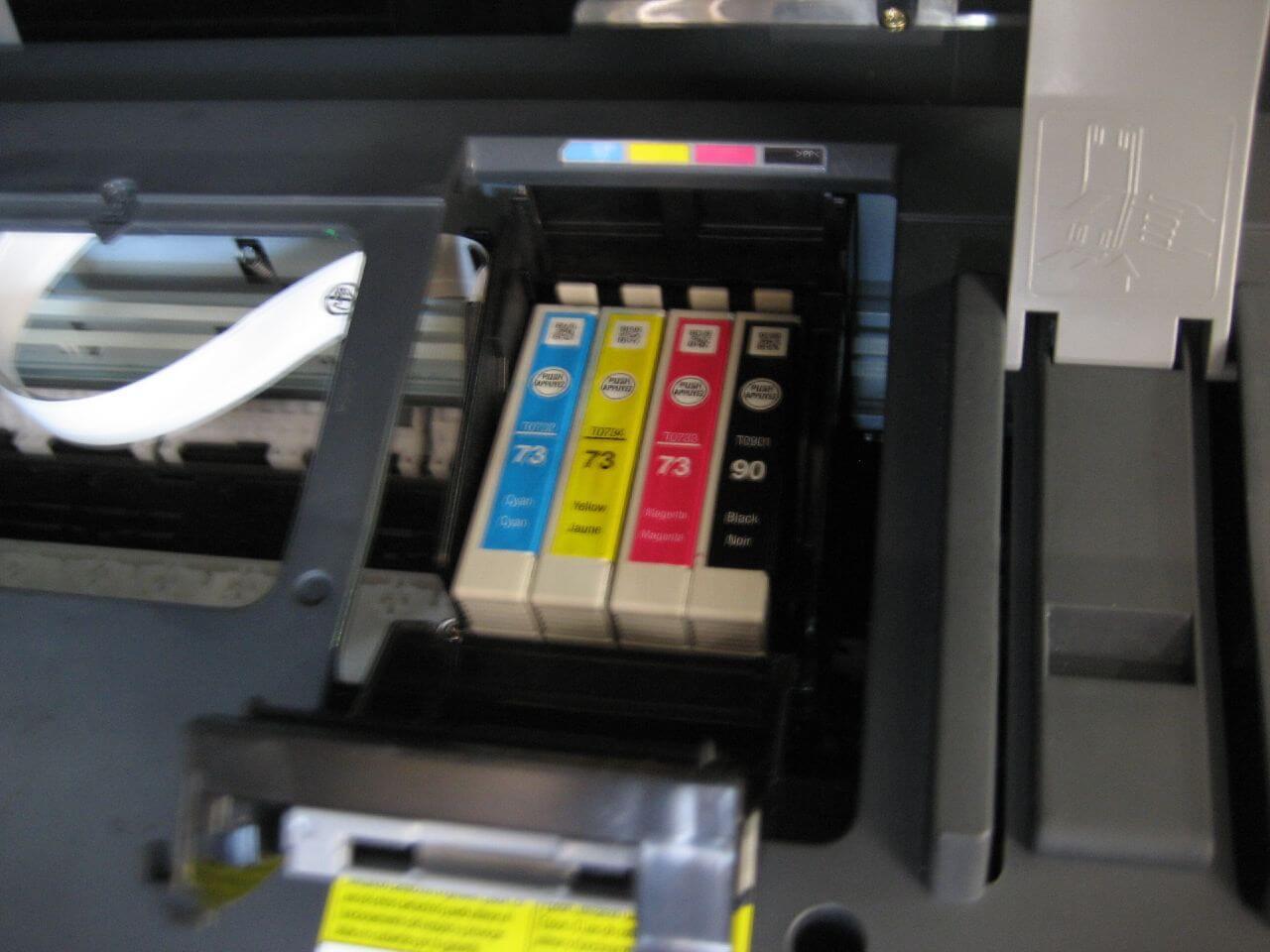 wydajny tusz w drukarce atramentowej