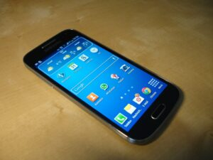 smartfon a20e